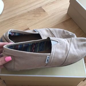 TOMS worn many times but washable!